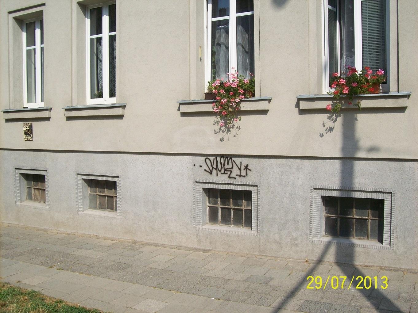 graffiti entfernung in m nchen. Black Bedroom Furniture Sets. Home Design Ideas